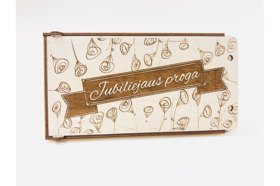 Medinis dovanų vokelis - jubiliejaus proga (gelės)